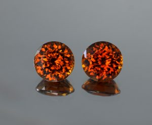 Red-OrangeZircon_round_pair_12.0mm_20.48cts_b