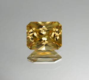 YellowZircon_radiant_10.1x8.1mm_4.90cts_b