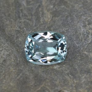 Aquamarine_cushion_12.1x9.8mm_4.44cts