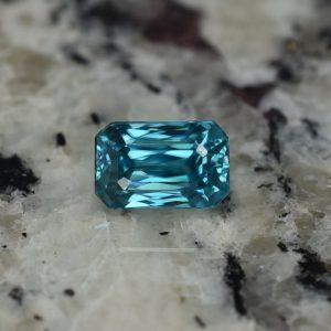 BlueZircon_mod_eme_cut_9.5x6.1mm_4.57cts
