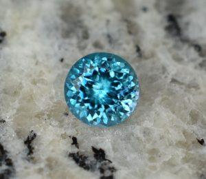 BlueZircon_round_6.5mm_1.68cts