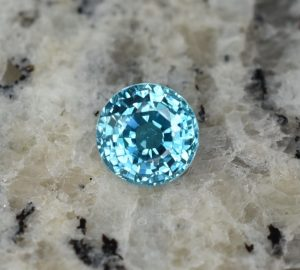 BlueZircon_round_6.7mm_2.06cts