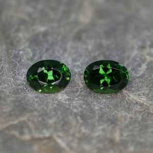 ChromeTourmaline_oval_pair_7.0x5.1mm_1.61cts_ct210