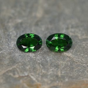 ChromeTourmaline_oval_pair_8.7c6.2mm_2.91cts_ct103.jpg