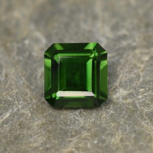 ChromeTourmaline_sq_eme_cut_6.0x5.9mm_0.91cts