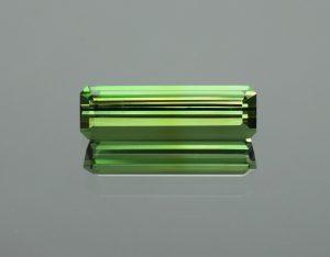 GreenTourmaline_eme_cut_16.7x5.0mm_3.44cts