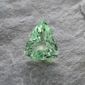 MintGrossular_drop_trill_8.6x7.5mm_2.16cts