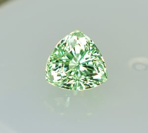 MintGrossular_trillion_7.7mm_2.53cts