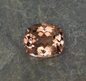 Morganite_cushion_15.5x13.2mm_10.06cts