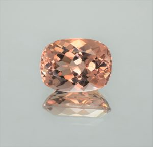 Morganite_cushion_15.8x11.8mm_9.94cts_b