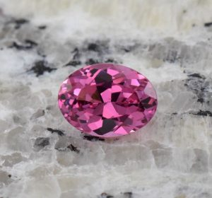 PinkSpinel_oval_9.1x6.8mm_2.16cts