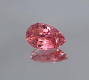 PinkSpinel_pear_10.2x6.7mm_2.37cts