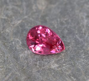 PinkSpinel_pear_9.2x6.6mm_1.77cts
