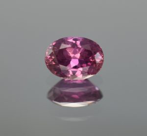 Pink_PurpleSapphire_oval_9.45x6.88x4.88mm_2.78cts_N_AGL
