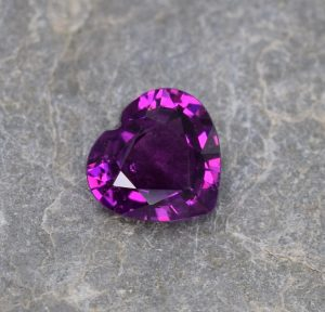 PurpleGarnet_heart_8.2x7.8mm_1.99cts