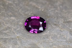 PurpleGarnet_oval_11.1x8.8mm_3.67cts