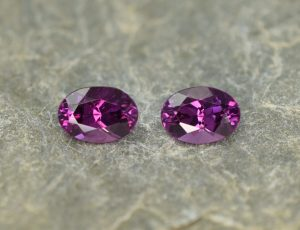 PurpleGarnet_oval_pair_6.8x4.8mm_1.91cts