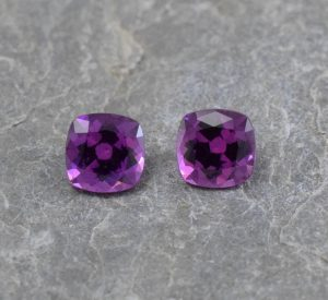 PurpleGarnet_sq_cush_pair_4.5mm_1.08cts