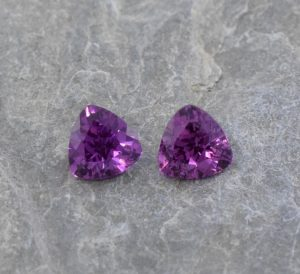 PurpleGarnet_trill_pair_5.0mm_1.11cts_b