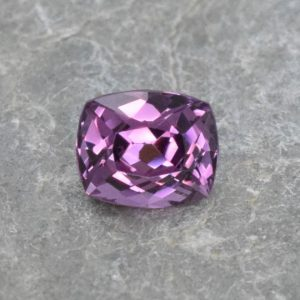PurpleSpinel_cush_6.4x5.3mm_1.28cts