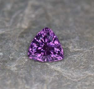 PurpleSpinel_trillion_10.3mm_4.68cts