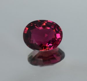 Rubellite_oval_13.5x11.0mm_7.30cts