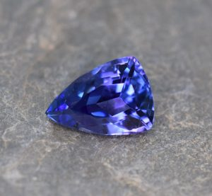 Tanzanite_drop_trill_11.5x8.3mm_3.12cts