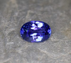 Tanzanite_oval_15.8x11.2mm_9.78cts