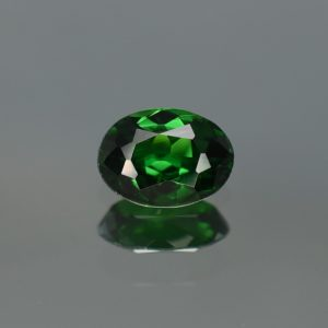 Tsavorite_oval_7.5x5.5mm_1.01cts