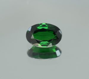 Tsavorite_oval_9.4x6.4mm_2.14cts