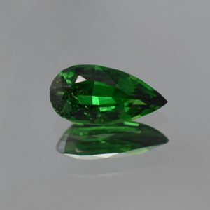 Tsavorite_pear_11.6x5.8mm_1.92cts