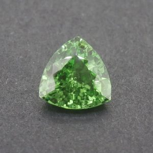 Tsavorite_trillion_6.8mm_1.15cts.jpg