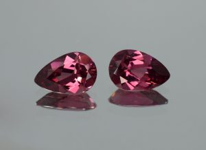 Umbalite_pear_pair_11.9x7.9mm_6.18cts