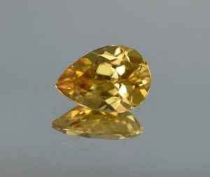 YellowZircon_pear_13.6x9.6mm_6.71cts