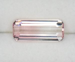BiColorTourmaline_eme_cut_12.4x5.3mm_2.65cts