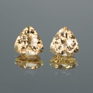 ChampagneZircon_ch_trill_pair_8.2mm_5.48cts_N_b