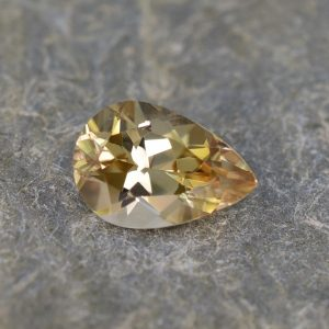 ChampagneZircon_pear_12.5x8.6mm_5.44cts