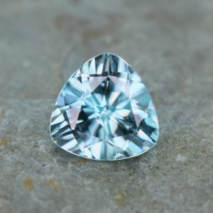 IceBlueZircon_trillion_8.0mm_2.85cts_b