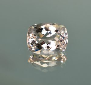 Morganite_cush_15.3x11.8mm_9.29cts