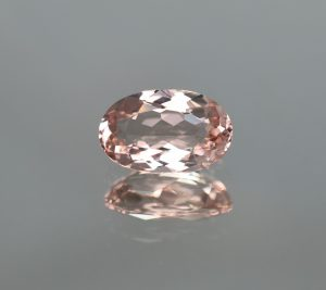 Morganite_oval_10.7x6.7mm_2.19cts