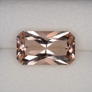 Morganite_radiant_12.0x6.9mm_2.69cts