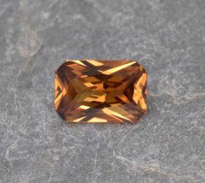 OrangeZircon_radiant_9.2x6.2mm_2.63cts