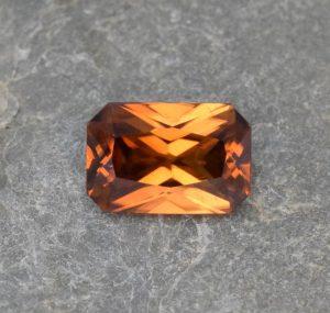 OrangeZircon_radiant_9.5x6.4mm_3.06cts
