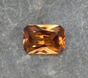 OrangeZircon_radiant_9.6x6.6mm_3.05cts