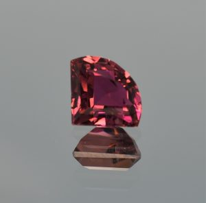 PinkTourmaline_fan_11.0x8.9mm_3.02cts