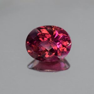 Rubellite_ch_oval_11.8x9.5mm_4.22cts