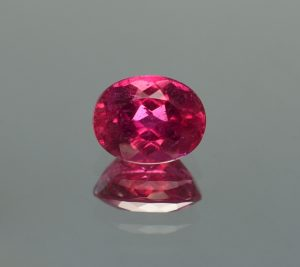 Rubellite_oval_10.0x7.8mm_3.05cts