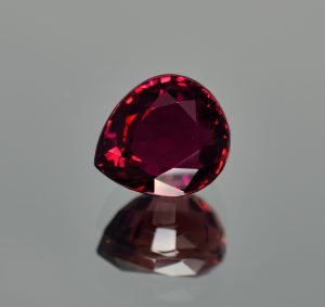 Rubellite_pear_13.0x11.5mm_9.60cts