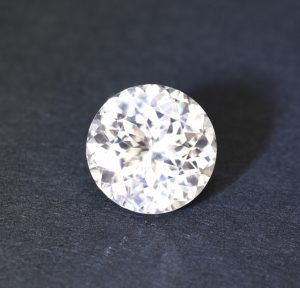 WHiteZircon_round_10.6mm_6.32cts