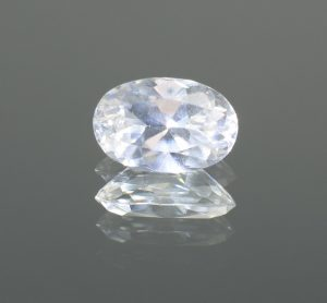 WhiteZircon_oval_10.4x6.8mm_3.07cts
